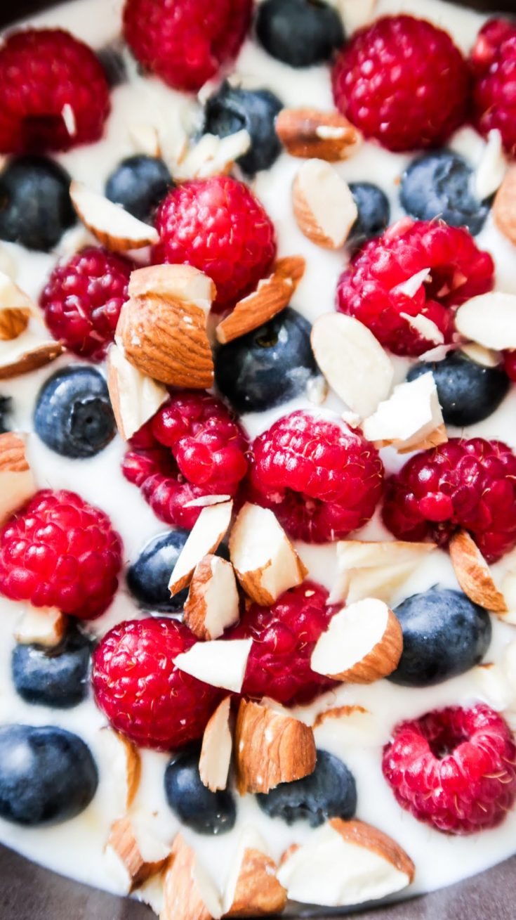 Quick and easy healthy breakfast! This simple breakfast idea takes 5 minute and comes with a low carb option to help you feel great and lose weight!