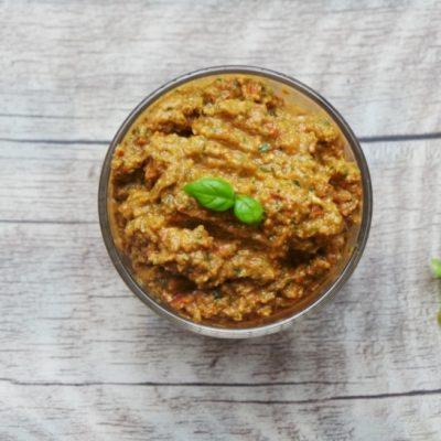 Easy Red Pesto Gluten-Free, Paleo