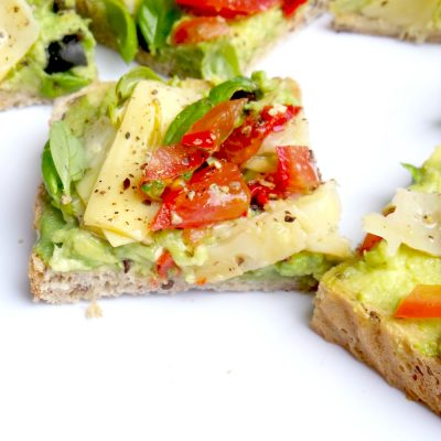 5-Minute Avocado Toast That Tastes Like Pizza