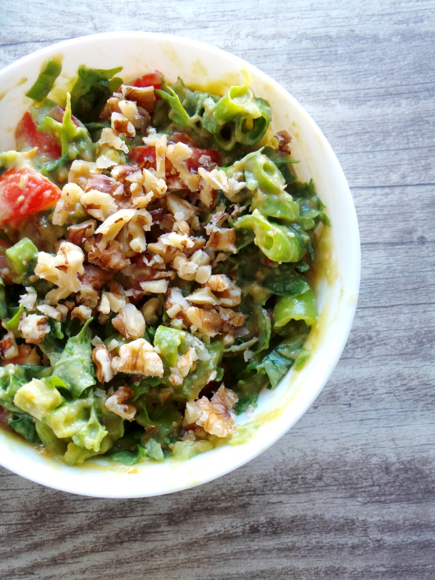 avocado salsa lettuce wraps - Beauty Bites