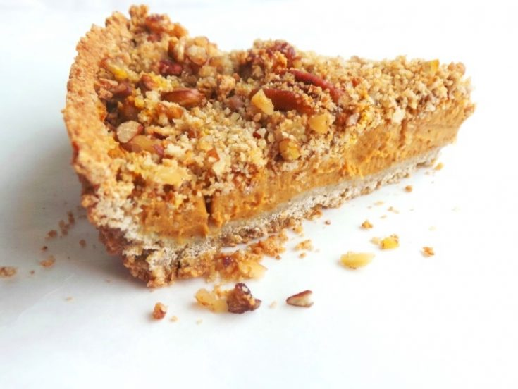 A healthy vegan butternut squash pie. I made the crust with oats and nuts, some honey and used dates to sweeten the filling! This is the most addictive, creamy filling ever!