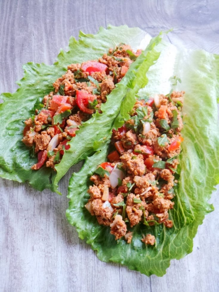 I absolutely loved these lettuce wraps! These wraps are paleo, vegan, almost raw and so delicious! A great, tasty and super easy clean eating recipe for healthy lettuce wraps that is made in almost no time! You only need a food processor and ingredients! No cooking