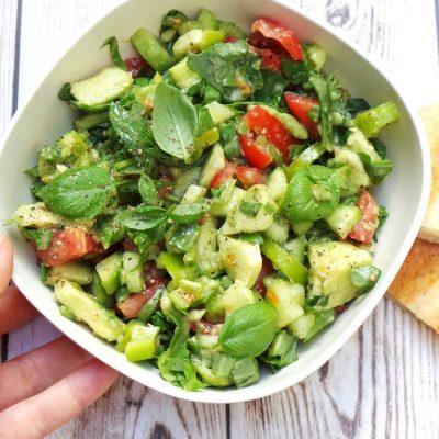 Tomato, Avocado and Arugula Salad
