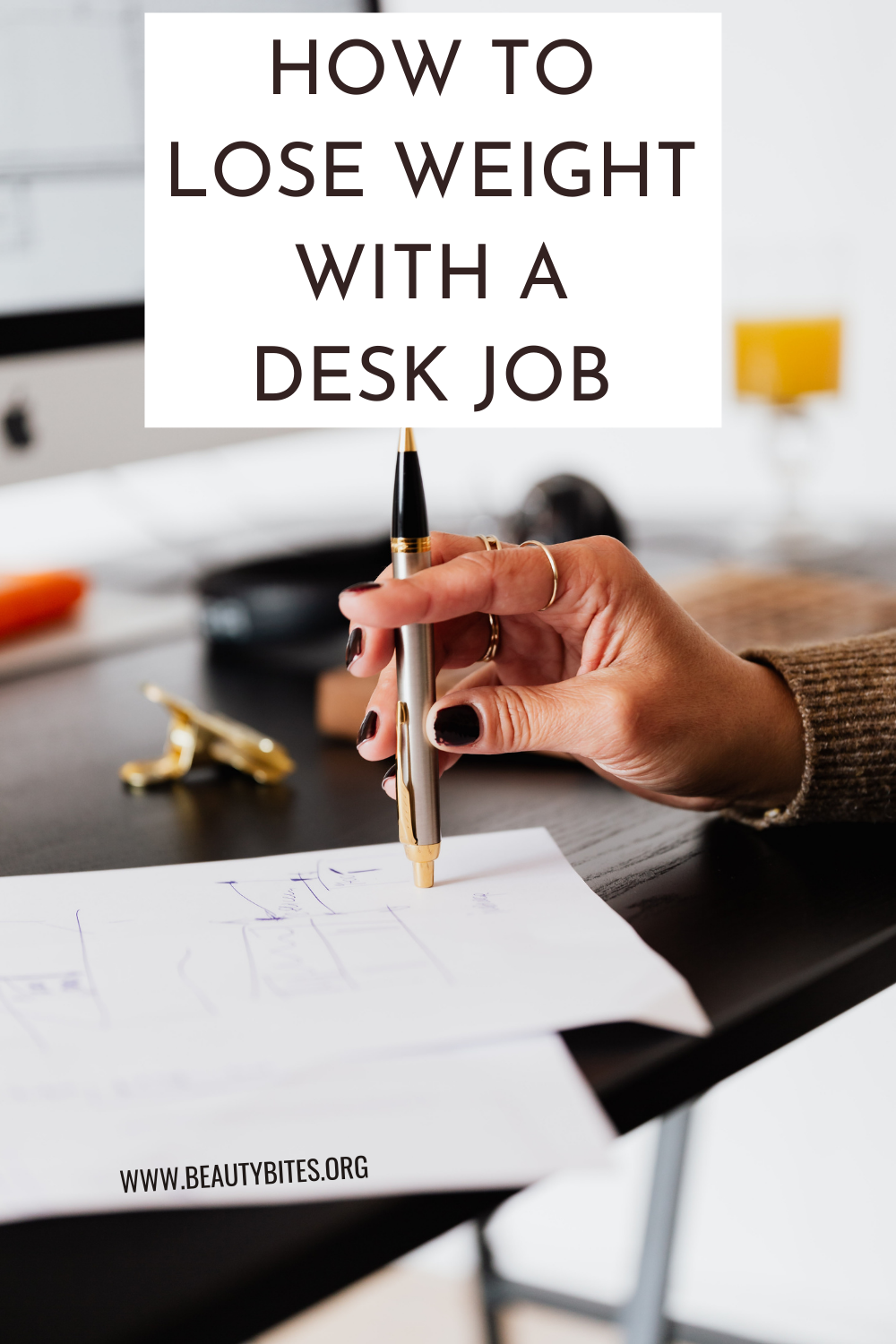 How to lose weight with a desk job: 5 weight loss tips and healthy habits to help you start a healthy lifestyle and get fit!