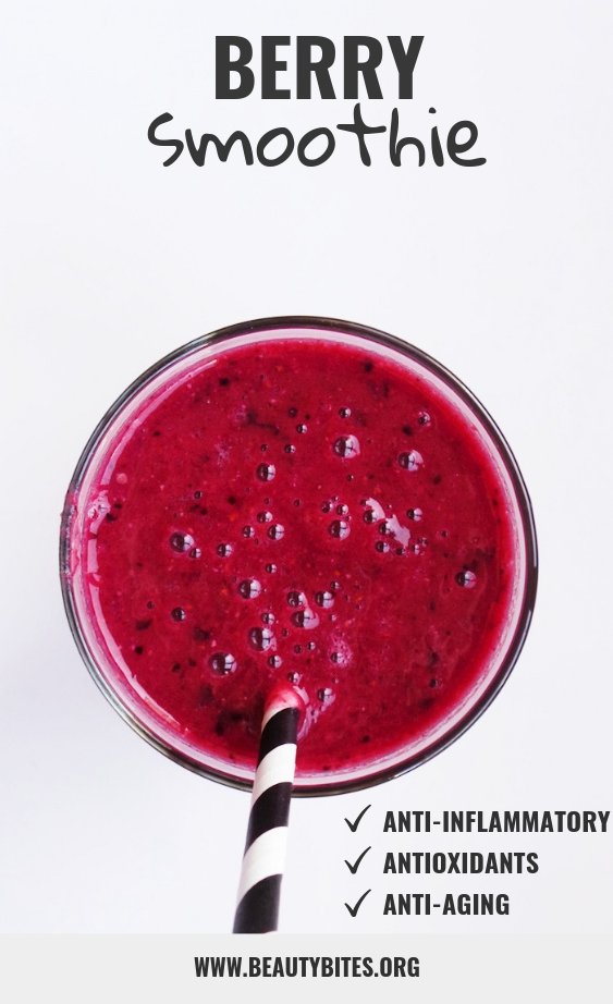 You need 5 minutes to make this anti-inflammatory smoothie with ginger, flaxseed, berries and banana! It's easy, refreshing and healthy!