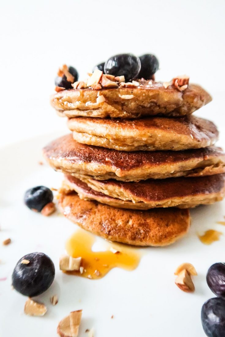 Easy and healthy pancake recipe for a tasty quick breakfast. These healthy apple pancakes are flourless and made with oats and honey, no refined sugar.