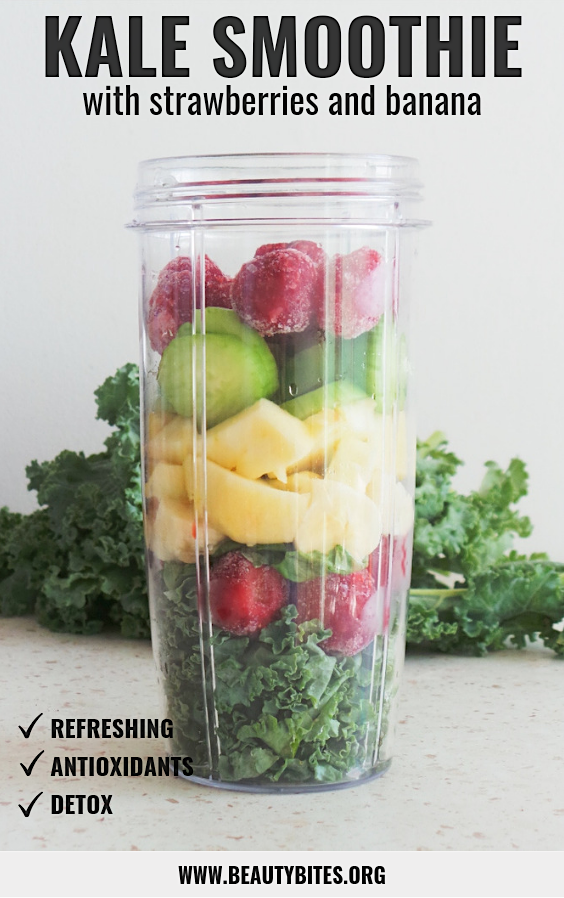 Kale smoothie with banana and strawberries is a refreshing and easy snack full of antioxidants. This green smoothie is fat-burning, vegan, gluten-free, paleo and helps detox your body.