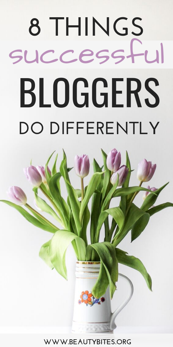 8 things successful bloggers do differently! Learn about the 8 habits of successful bloggers, habits that have helped me grow my blog on my own with just one laptop and some ideas. These blogging tips and ideas are for beginners and bloggers who are kinda stuck in a rut!