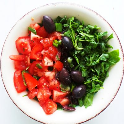 Simple Tomato Salad With Basil & Arugula