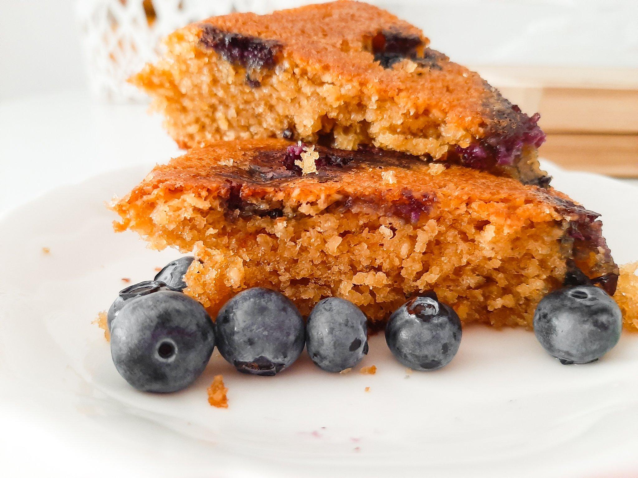 Oatmeal Blueberry Cake