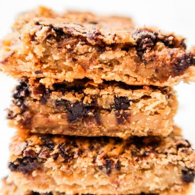 Healthy Peanut Butter Chickpea Blondies