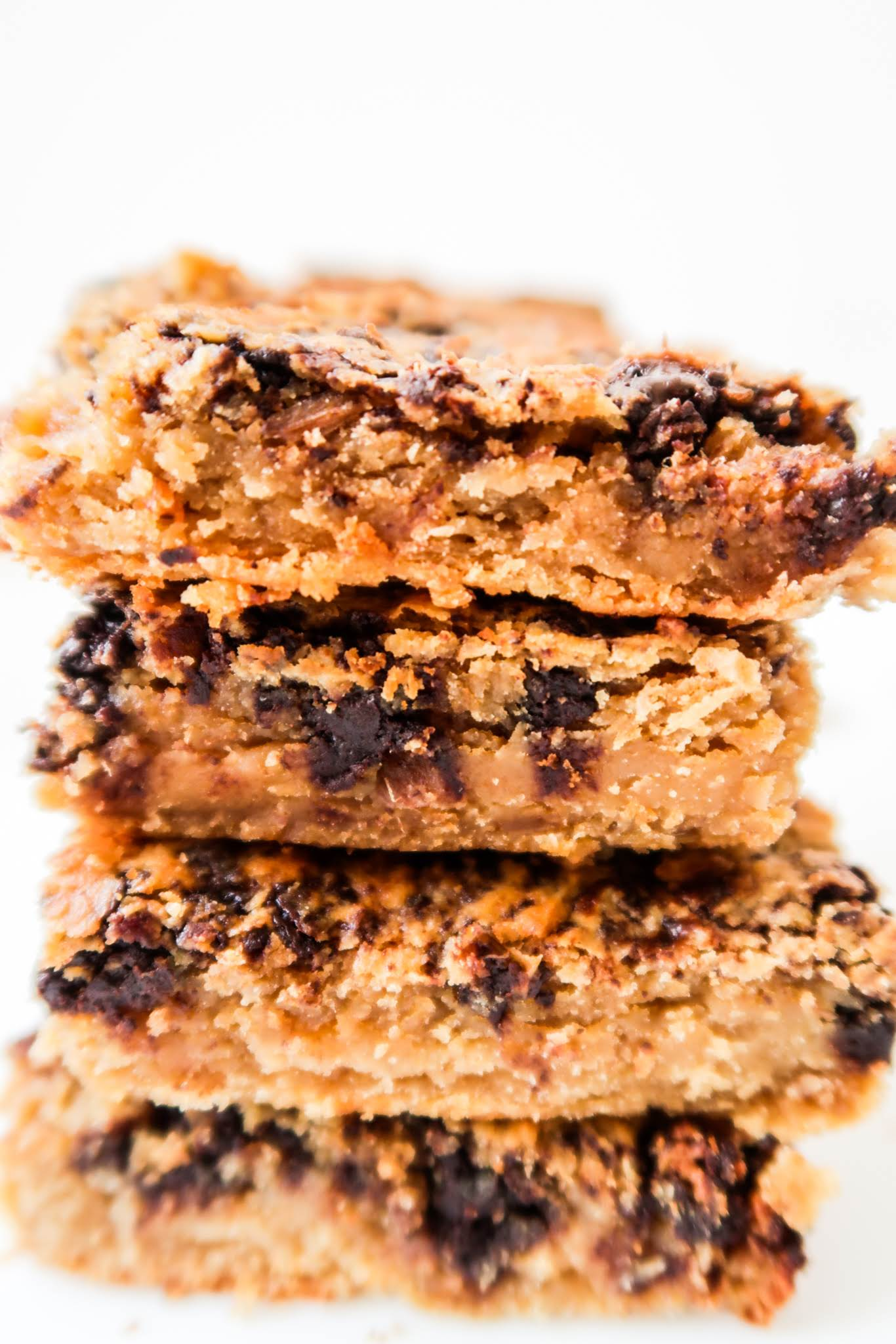 Easy vegan chickpea blondies recipe! These healthy peanut butter blondies with chocolate chips are flourless, dairy-free, gluten-free and addictive - you're going to want to eat everything!