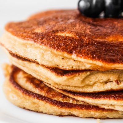 Almond Flour Pancake Recipe {No Banana}