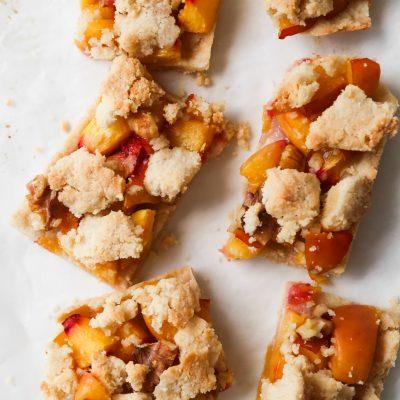 Healthy Peach Crumble Bars | Vegan & Paleo
